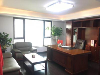 政务区天鹅湖 绿地内森庄园 6室2厅3卫 246平米