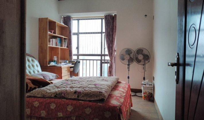 玉州区城南 奥利华园 3室2厅2卫 117.23平米