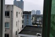 邮电路附近利群路中装四楼落地房出售