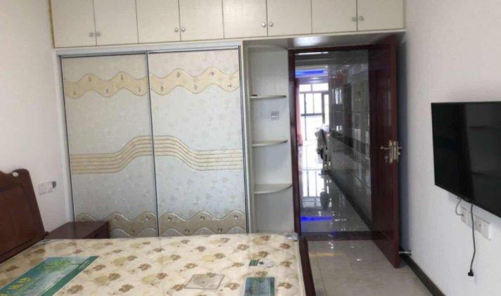 宿迁二手房泗阳县>华希衣柜1/173万6886元/平米3室2厅1卫乐乐的广场图片