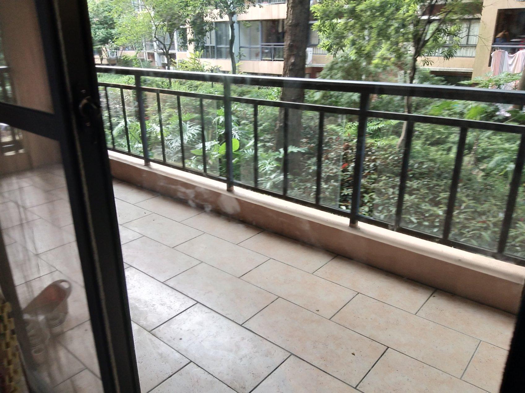急售澳洲假日1-2楼复式带车库花园 128平米精装156万