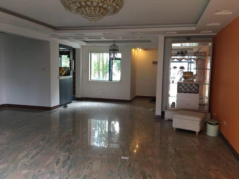 149万碧水康城复式楼160平,2楼精装4房2厅3卫中央位置