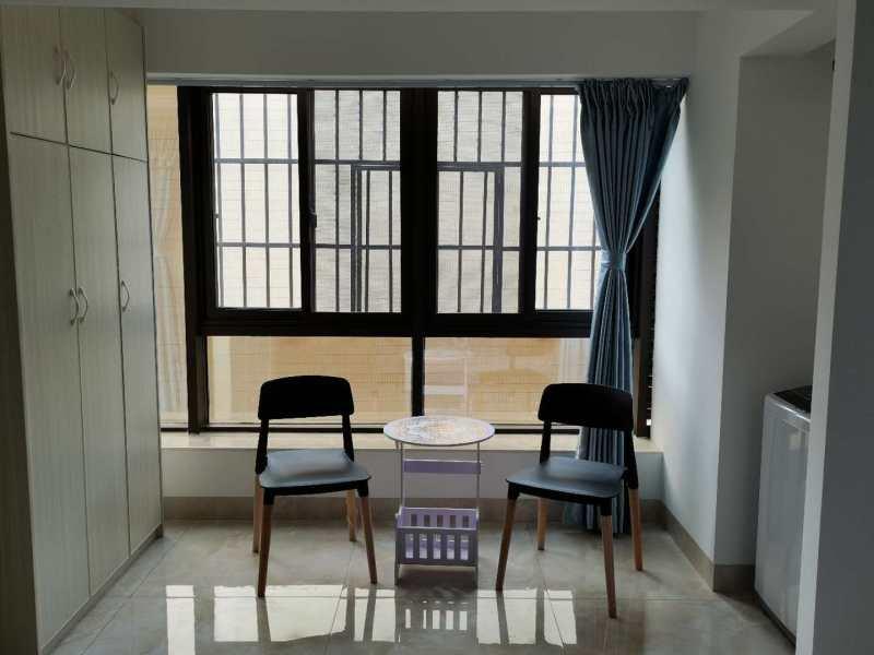 公寓楼出售2房 产权40年