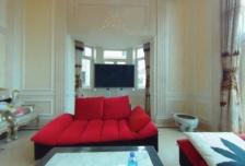 家族式独栋,法式风格,客厅12米挑空,带室内泳池