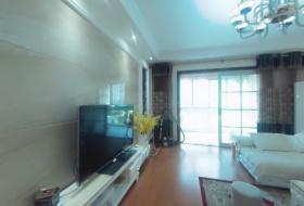 恋家房产豪华装修3室2厅2卫2阳台,拎包入住,采光空气都很好!